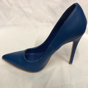 New 4.5 inches pointed heels in original box blue
